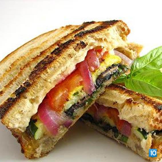 ezine-peynirli-sevzeli-tost
