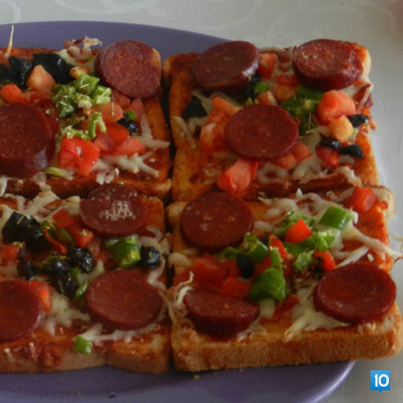 tost-ekmegi-ile-pizza