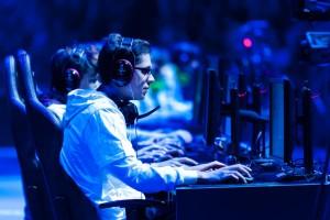 2015'de En Çok Kazandıran 10 e-Spor Oyunu